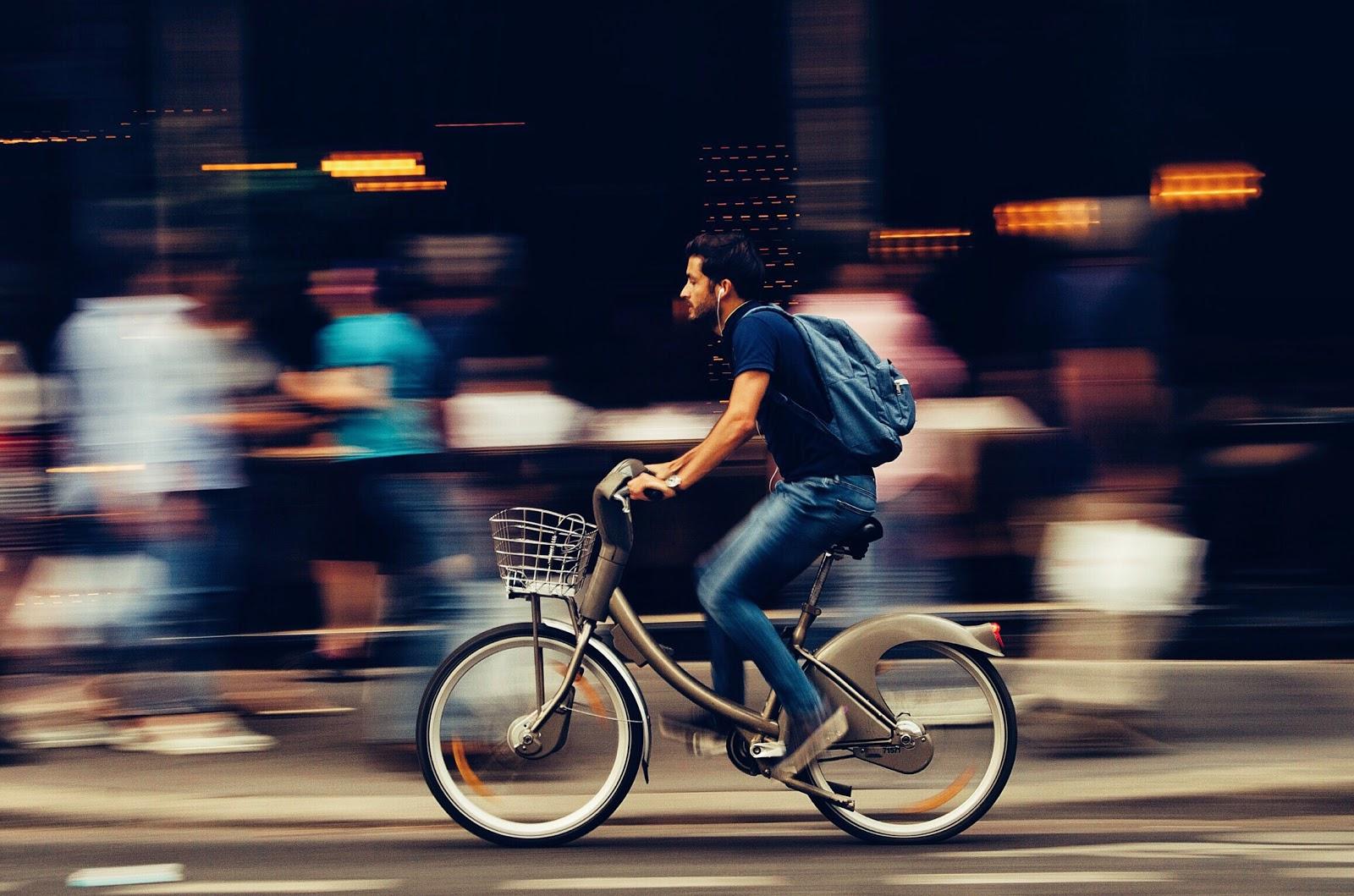 Foodora: a bike courier