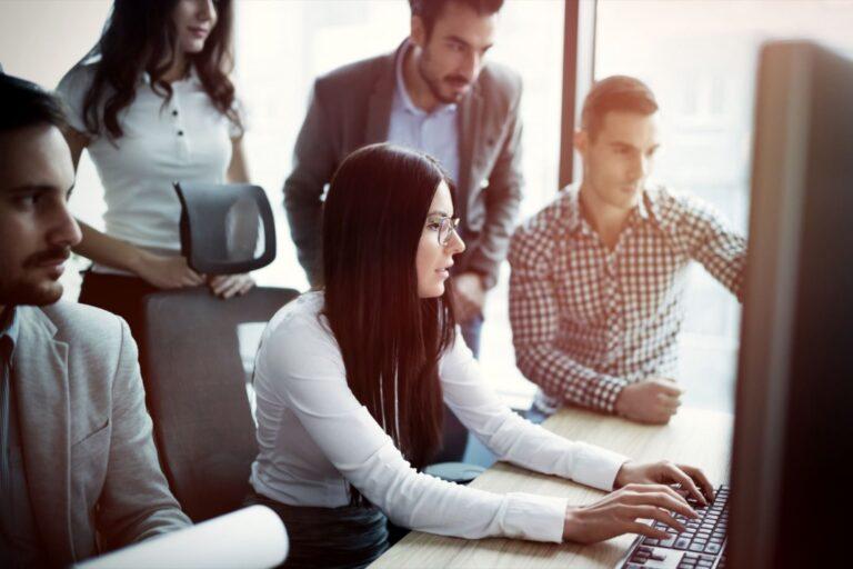 Cómo los empresarios de América pueden combatir los efectos de la subcontratación