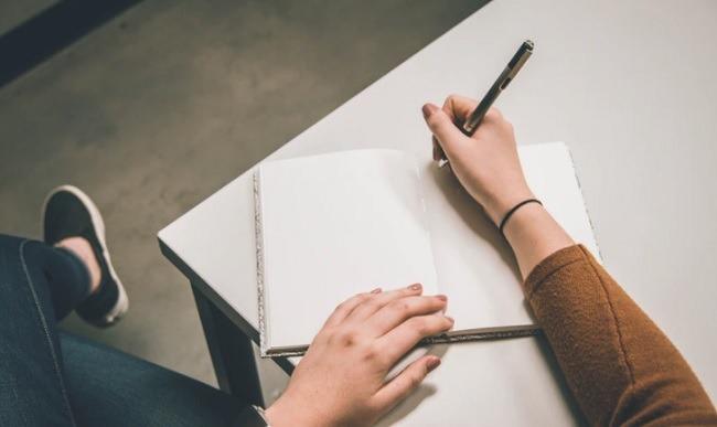 Cómo hacer su propio diario de manifestaciones Qué escribir