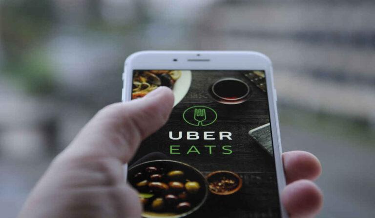 Cómo ganar dinero extra los Códigos de referencia del conductor de Uber Eats