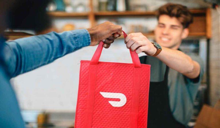 Envíale a un amigo algo de comida con la nueva característica de regalo de DoorDash
