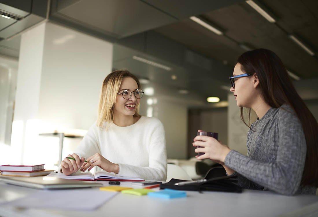 En el trabajo, no seas el compañero de trabajo que cuenta demasiado sobre su vida.