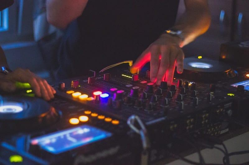 Las mejores ideas de negocios como DJ
