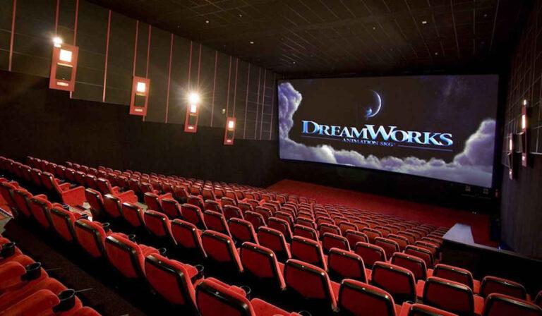 Ganar dinero viendo películas: cómo convertirse en crítico de películas
