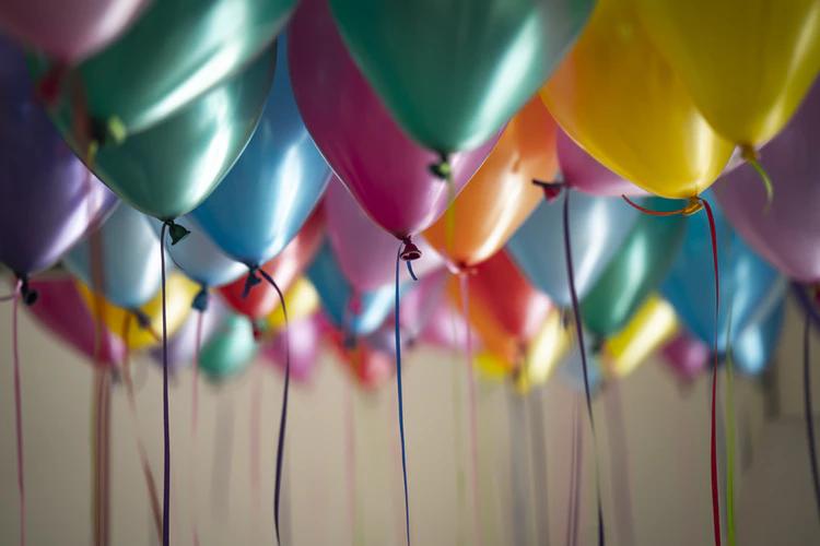 Cómo convertirse en un organizador de fiestas: globos