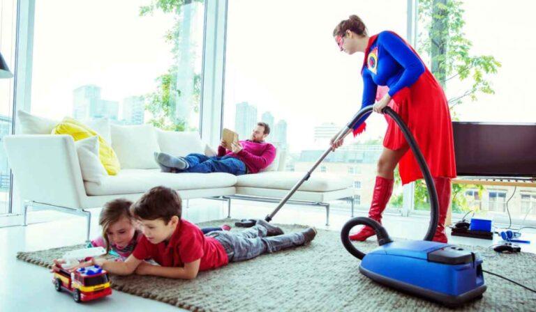 Que es Housekeeper.com y como obtener trabajo como ama de llaves o empleada domestica