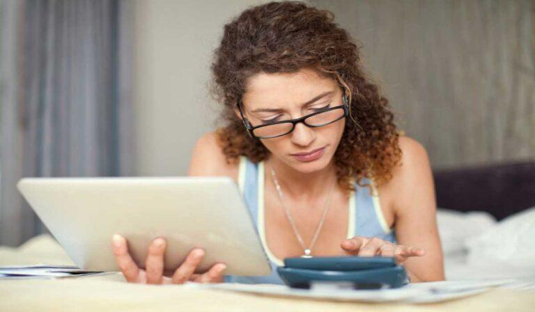 ¿Cuál es la diferencia entre las calificaciones crediticias FICO y VantageScore?