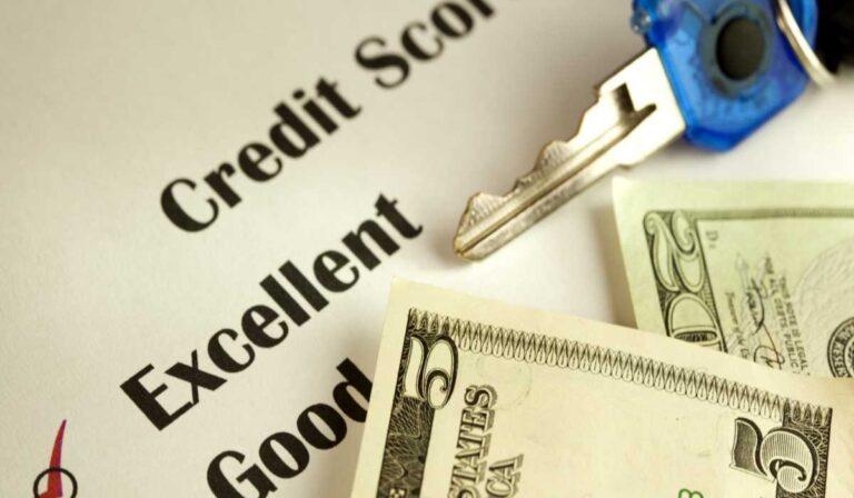 Por qué (y cómo) comportarse como alguien que tiene una puntuación de crédito de más de 800