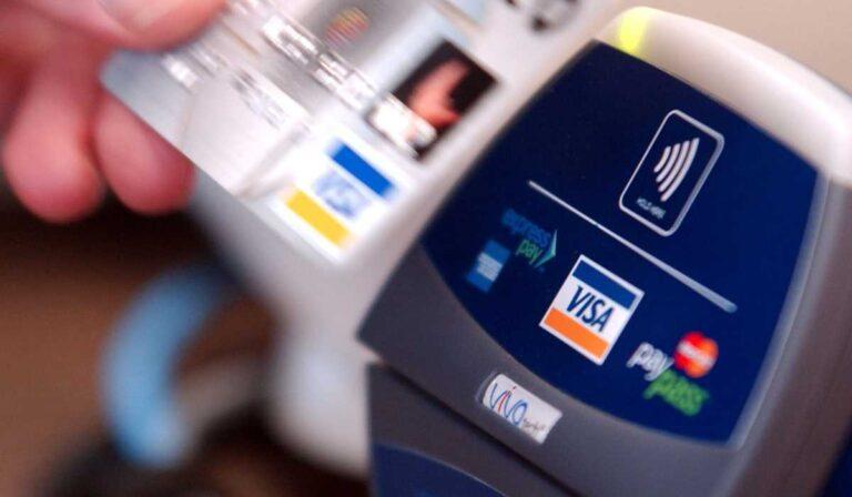 No debe usar su nueva tarjeta de crédito hasta que haga estas cosas