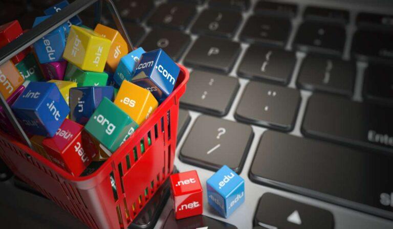 ¿Cómo Comprar un Dominio Web? (Guía Completa)