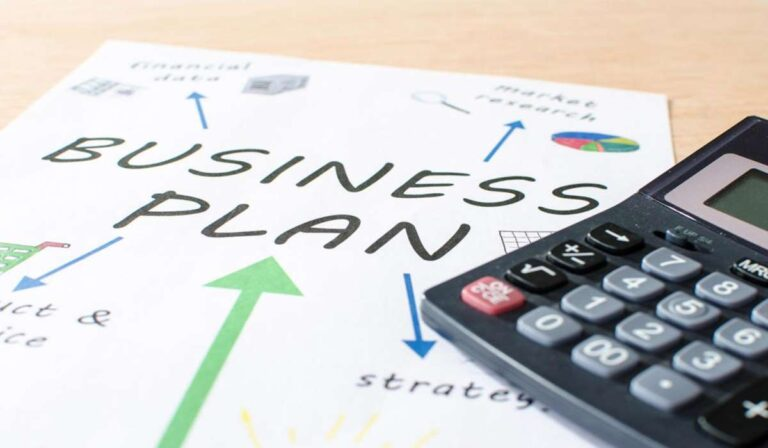 12 Pasos para Redactar su Plan de Negocios